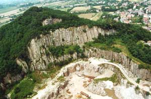 The quarry of Classic Grey Montemerlo Trachyte